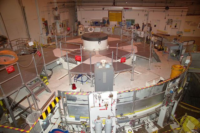 800px-Advanced_Test_Reactor_001